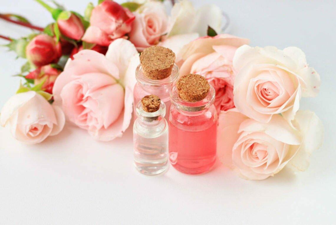 Самые прекрасные духи с ароматом роз — рейтинг ТОП 7