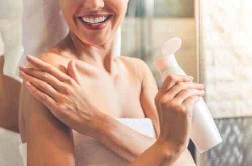 Уход за телом — какие средства нужно иметь в косметичке